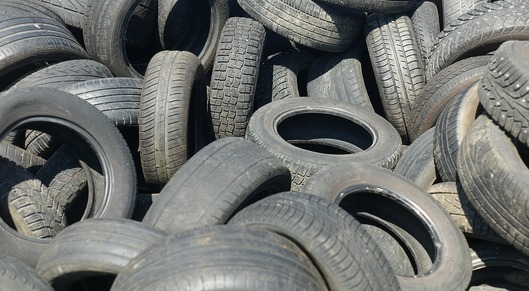 Partner show tires 3843108 960 720